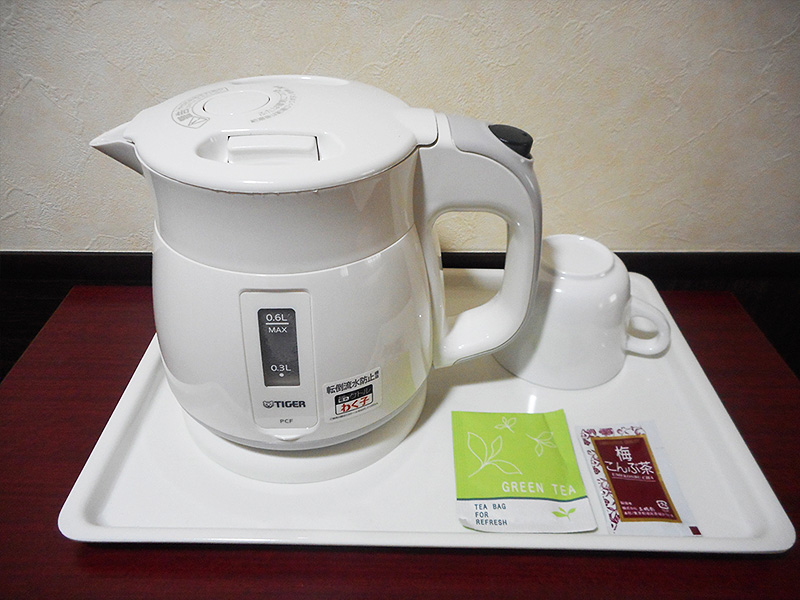 Electric kettle ・ tea